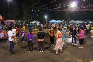 thailand chiang rai night bazaar walking street tanz