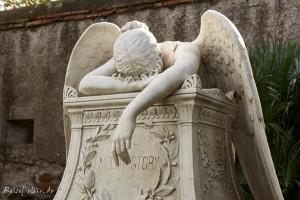 rom friedhof engel